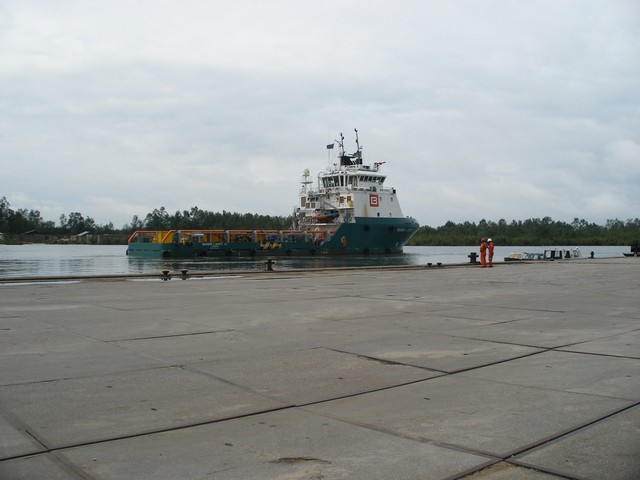 Departure of Addax work boat heading to the Deepwater Pathfinder